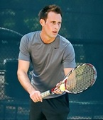 Zach B. teaches tennis lessons in West Hollywood, Ca
