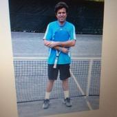 Oscar T. teaches tennis lessons in Miami, FL